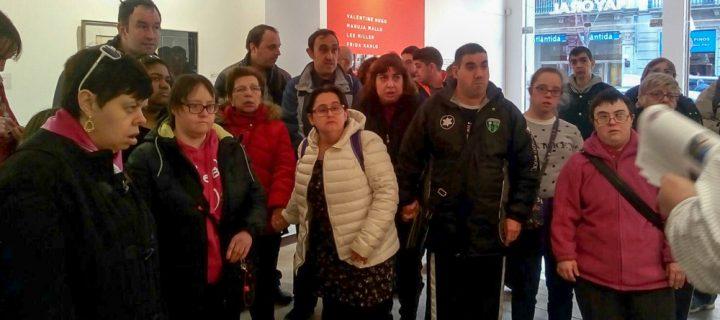 """Aprodisa visita la exposición """"Mujeres Surrealistas"""""""